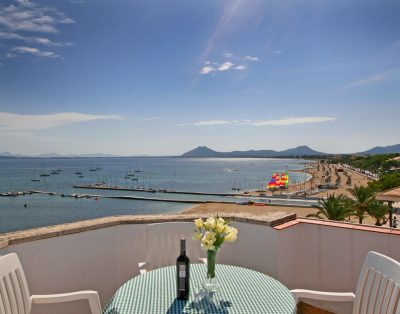 La Gola is an apartment by the beach of Puerto Pollensa with stunning views