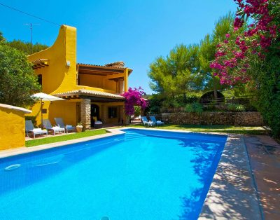Bell reco is a cozy villa close to the beach in Cala San Vicente