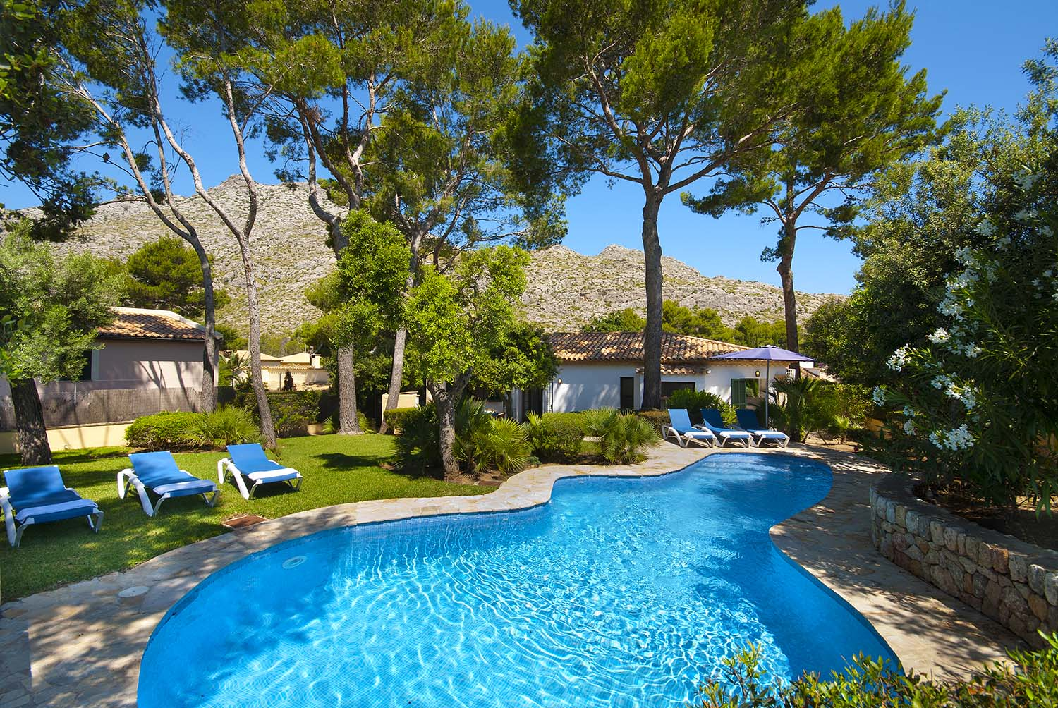 Can Domingo is a nice villa in Cala San Vicente close to the beach