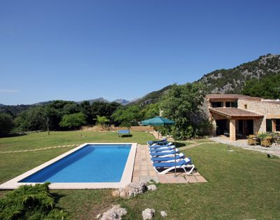 Hort Petit is a cozy villa in walking distance of Pollensa