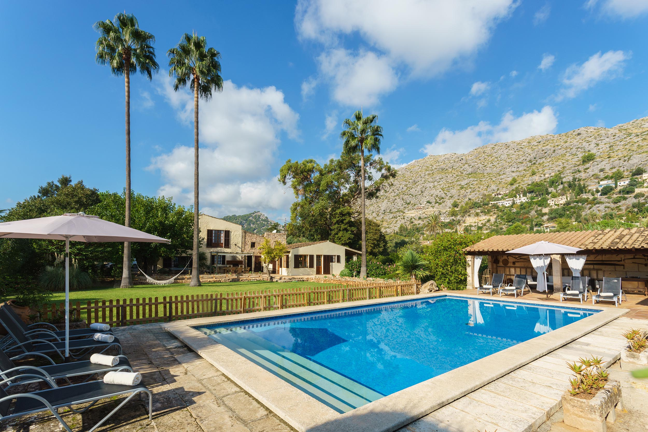 Can Gat is a nice country villa in Pollensa