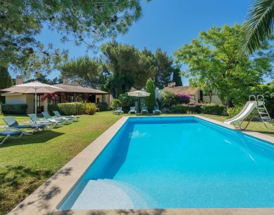 Can Canaver is a modern villa in Pollensa