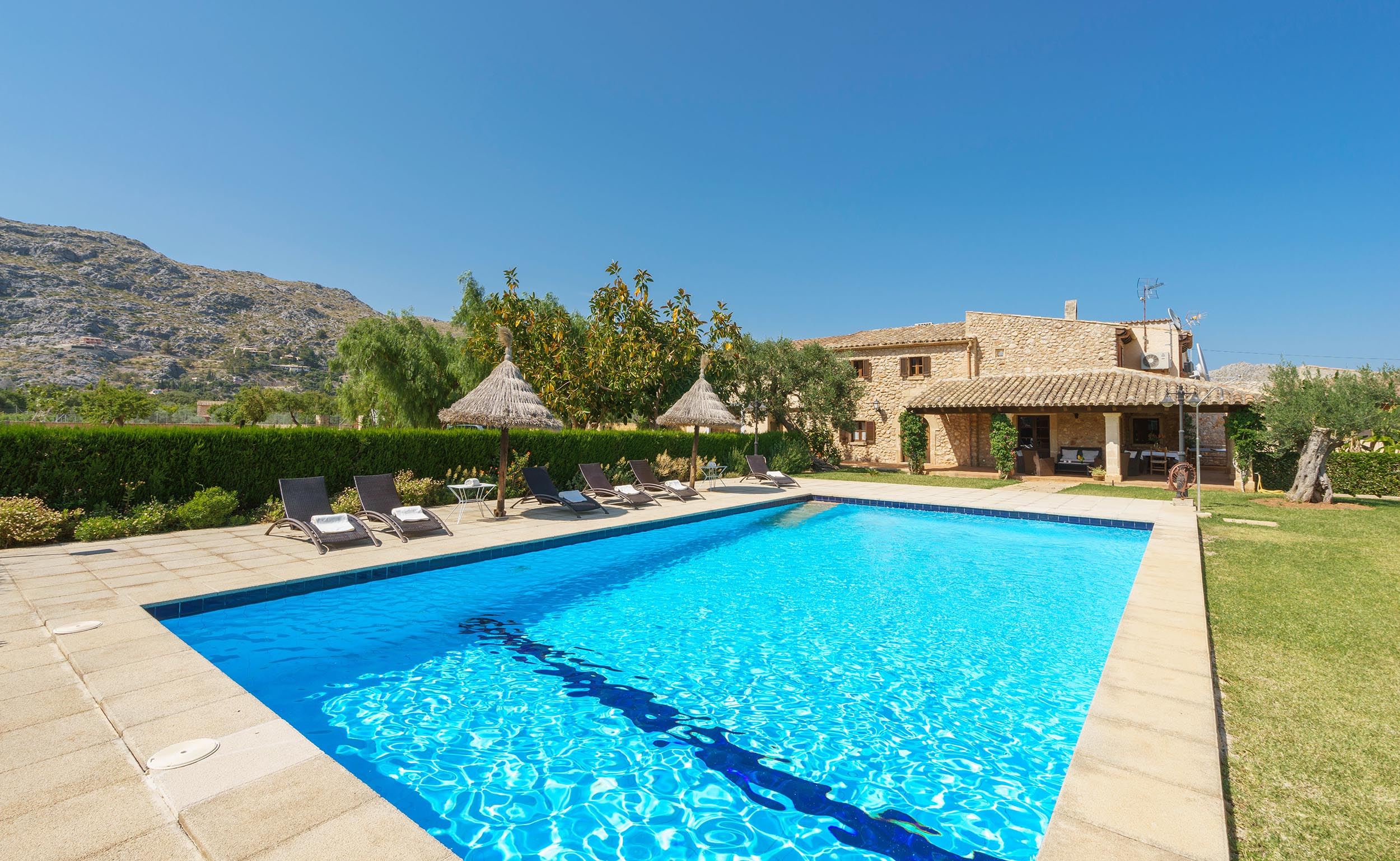 Villa Agnes is a country villa with heated pool close to Pollensa