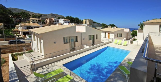 Apartment at the beach in Cala San Vicente